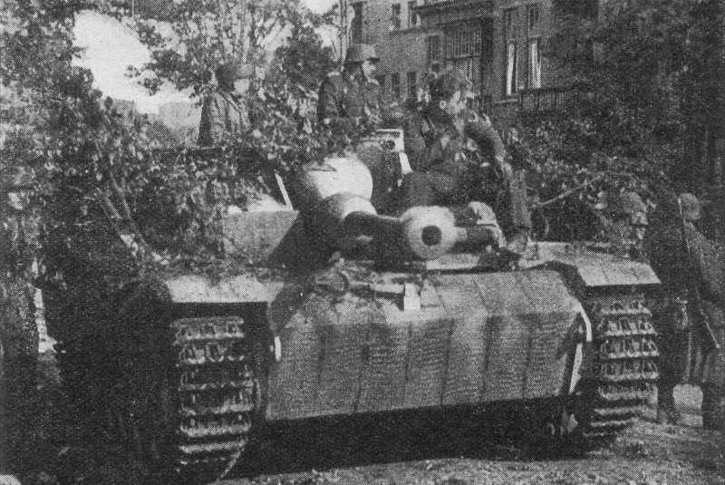 chars allemands StuG_III_Ausf_G_3