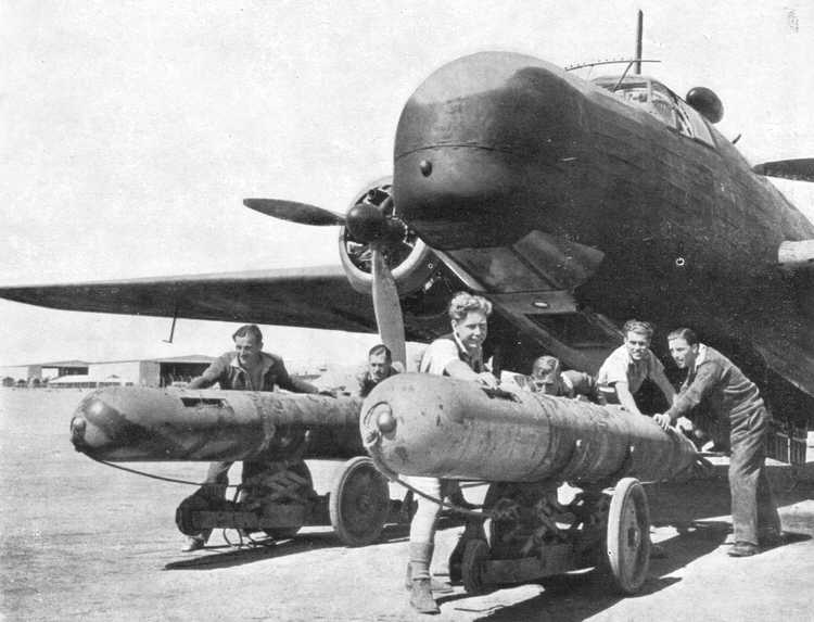 Post Tetas - Página 8 Vickers_wellington_VIII_torpedo