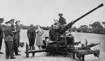 R0yal visit to 40mm Bofors AA battery, 1944