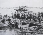 M4A3 76mm Sherman on assault raft on the Rhine