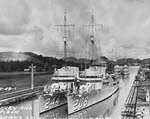 USS Williamson (DD-244) and USS Hovey (DD-208), Panama Canal, 1930s