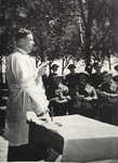 Rev. L Davies conducts service in Italy, 1944